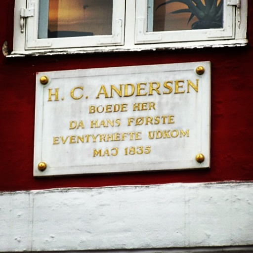 #redlighthans Apparently Hans Christian Andersen lived in the red light district but died a virgin. The things you learn when on a waking tour...